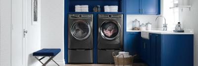 "27"" Electrolux Front Load Perfect Steam Gas Dryer with Instant Refresh and 9 cycles - 8.0. Cu. Ft. - EFMG627UTT"