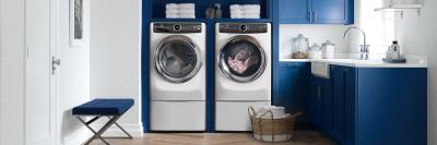 "27"" Electrolux Front Load Perfect Steam Gas Dryer with Instant Refresh and 8 cycles - 8.0 Cu. Ft. - EFMG527UIW"