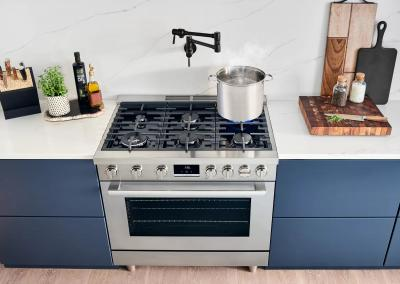 "36"" Bosch 800 Series Dual Fuel Freestanding Range With 6 Burners In Stainless Steel - HDS8655C"