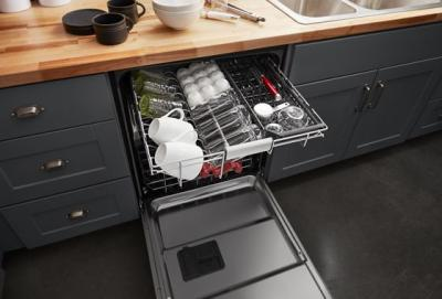 "24"" KitchenAid 44 dBA Dishwasher in PrintShield Finish with FreeFlex Third Rack - KDFM404KPS"