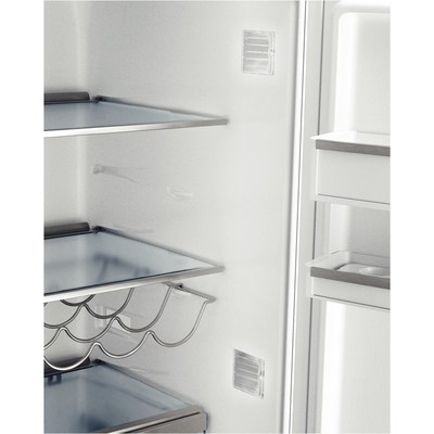 "24"" Bosch  Counter-Depth Bottom-Freezer B11CB50SSS 800 Series - Stainless Steel"